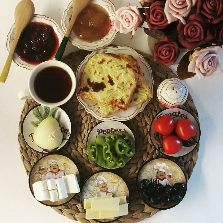 En güzel mutfak paylaşımları için kanalımıza abone olunuz. http://www.kadinika.com Günaydın. Hayırlı mutlu huzurlu bir haftasonumuz olsun inşallah. Büyük kız okuldaküçüklerle yola devam.allah hepimizin evladına zihin açıklığı versin. Emek çok çünkü....#sunumönemlidir #kahvaltı #sunumduragi #sunumgram #mutfakgram #mutlulukyakalanır #hayatburada #home_manufacturer #homesweethome #mutluyumçünkü #sizinsunumlarınız #seninsunumun #sizinsunumlarnz #engüzelsunumlar