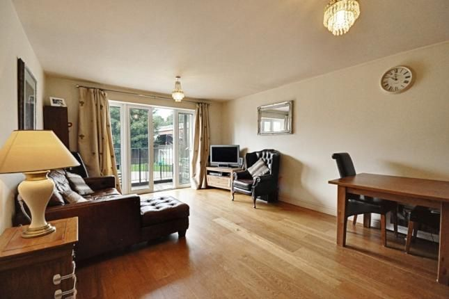 2 Bed Flat For Sale, Windmill Road, Brentford TW8, with price £450,000 Guide price. #Flat #Sale #Windmill #Road #Brentford