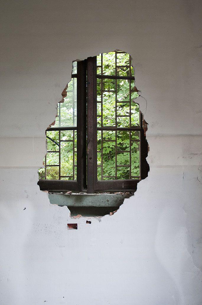 Ex ospedale psichiatrico di Mombello (MB) / Walled window