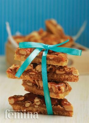 Femina.co.id: Cashew Bars #resep