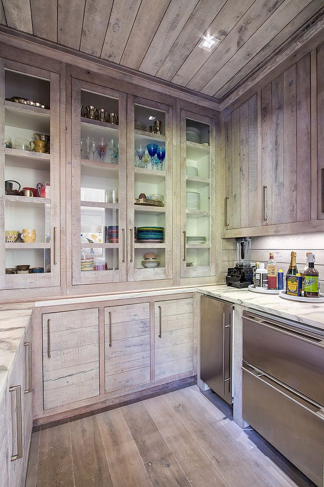Home in Tennessee by Austin Bryant Moore... just the side with drawer appliances...with tiled backsplash.