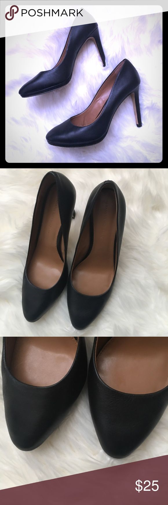 Black Banana Republic Heels Preowned Great Condition Banana Republic Shoes Heels