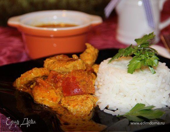 Курица в соусе тикка масала. Ингредиенты: сливки 33-35% , йогурт натуральный, помидоры консервированные в собственном соку