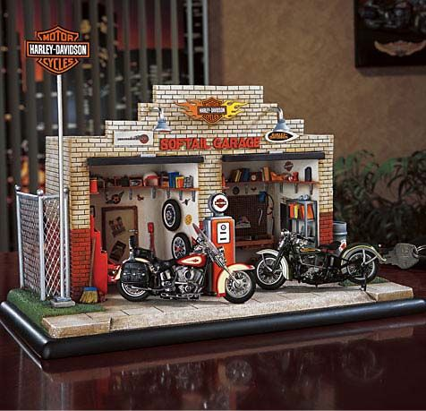 Franklin Mint Harled Town Mini Scene Softail Garage
