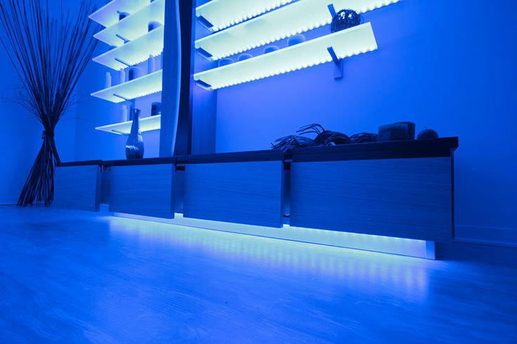 Lumina - Equipped wall that furnish SPAs and wellness centres