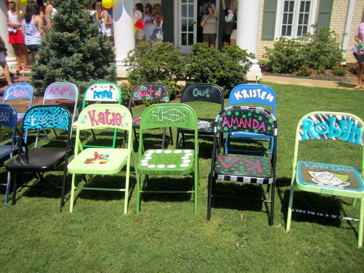 Craft a cheap fold out chair!! This would be so cute for senior send off!