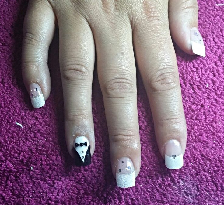 Black and white bow tie nails