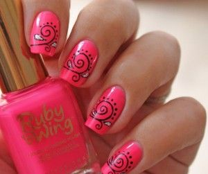 decoración de uñas rosa