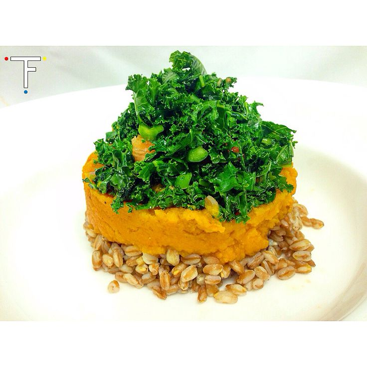 So lately there has been requests for some #Vegetarian Cuisine , well here you go! ❙∡➌❙ :: (Base) #Farro Cooked Al Dente W/ Veggie Stock & #Chardonnay, (Middle) Stacked with A Butternut Squash & Sweet Potato Mash, Topped With A Kale Salad Tossed In A Chive/Onion Vinaigrette❙#thekitchenvangogh #vegan #fitlife #cheflife #chef #truecooks #vegetariandish #healthyfoods #foodporn #foodlovers #instafood #gastroart #chefsroll #yogafood #yoga