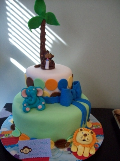 So after all the inspiration - this is the cake I made: Baby Shower Cakes, Jungle Forest Cakes, Jungle Baby Showers, Cake Ideas, Jungle Cake
