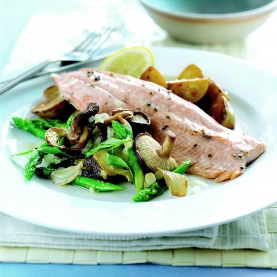 Grilled trout with asparagus and wild mushroom