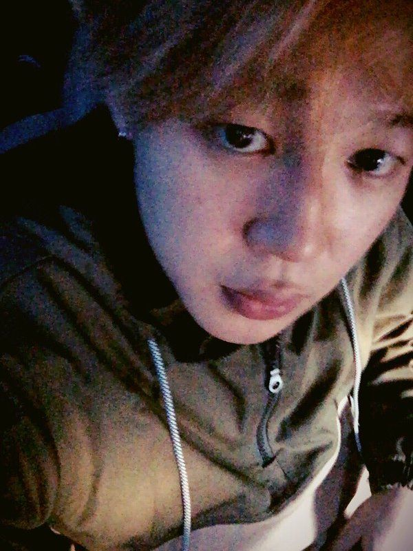 """""""Me, yesterday.""""(Bare faced jimin is     ♡   ♡   ♡)"""