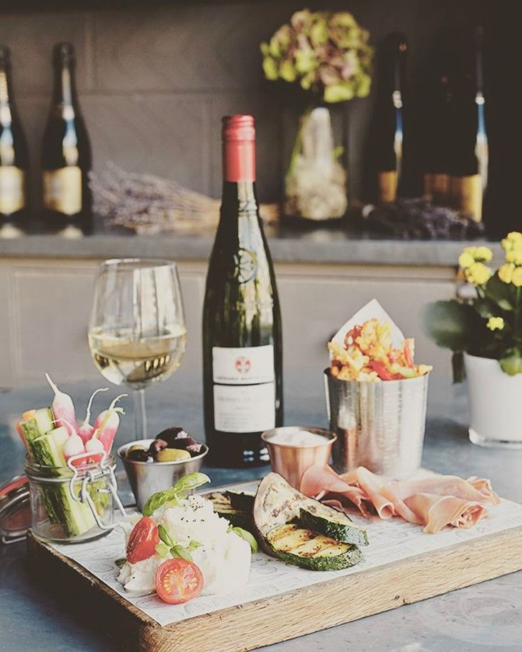 Enjoy a complimentary sharing board when you buy a bottle of #wine at Aubaine Heddon Street and Broadgate London. Available 3pm-6pm 31/03.