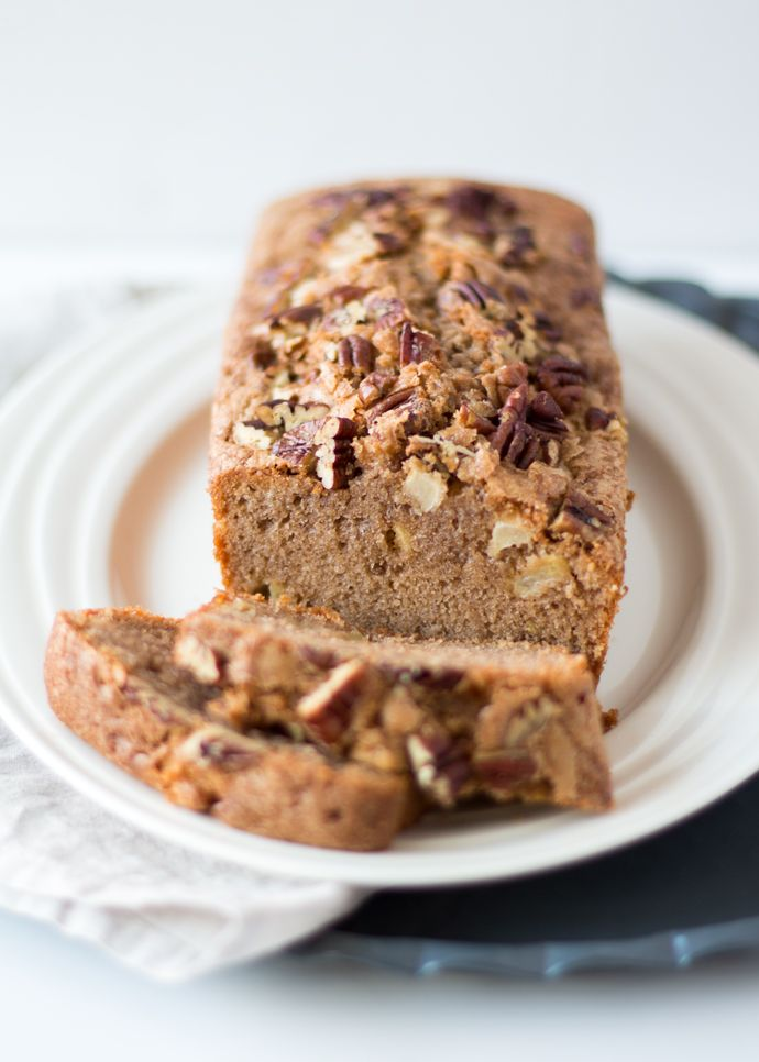 Appel-Kaneel Cake met Pecan Noten