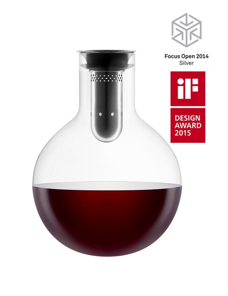 Decanter carafe by Eva Solo. Haal het beste uit je wijn en schenk deze in de Eva Solo Decanteer Karaf! Er wordt lucht bij het uitschenken aan de wijn toegevoegd, de wijn kan ademen en wordt 'zachter'. http://www.klasse.eu/eva-solo/Eva-Solo-decanteerkaraf