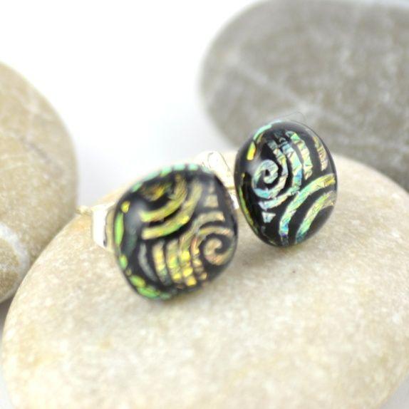 Øredobber, gullfarget med spiralmønster