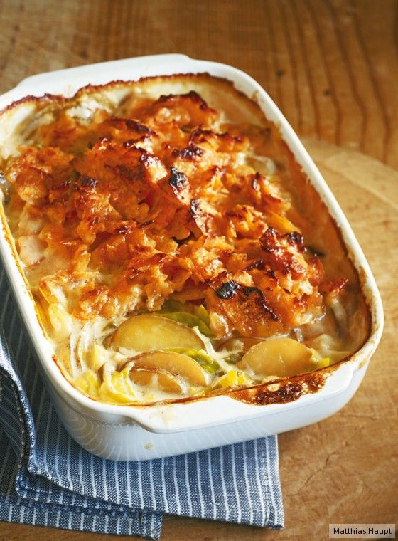 Crunch-Alarm: Unser Veggie-Auflauf wird mit Mayo und Chips überbacken, das ist ein Kracher!