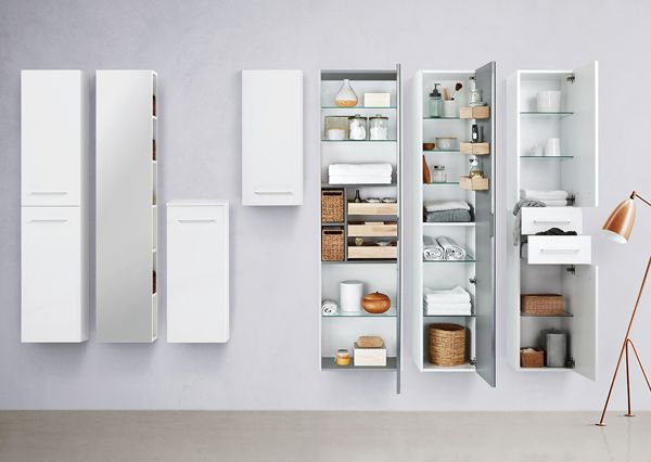 Dansani's narrow tall cabinets are designed to fully utilise every square centimetre using clever storage solutions to help you keep track of bathroom bits and pieces, whilst providing fully extractable trays and baskets.