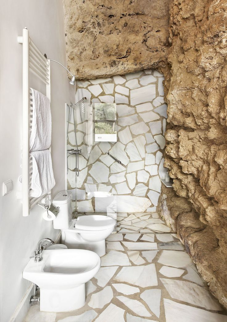 <p>In the same troglodyte type as Hotel Sextantio in Italy, the exceptional Cuevas del Pino estate is set in the foothills of Sierra Morena, Spain, where architectural office UMMO Estudio created an e