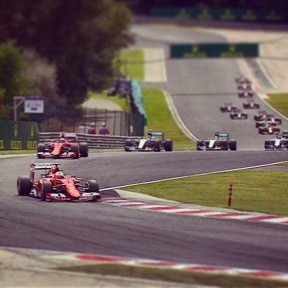 Ferrari running 1-2! @lewishamilton drops to P10. Drama. #HungarianGP #F1 #Formula1