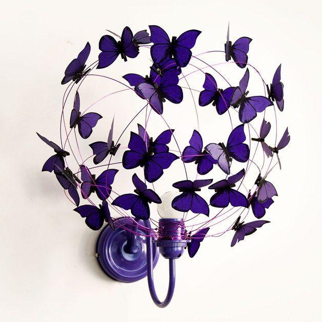 Lámparas de pared - Lampara de pared con mariposas violetas monocroma - hecho a mano por Marcela-Delacroix en DaWanda