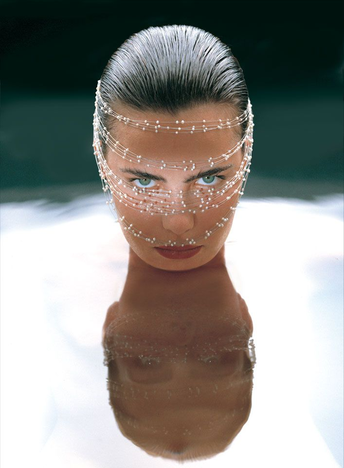 Ana Paula Arósio (1997), by Mauricio Oliveira for Dryzun jewelry.