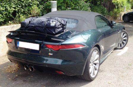 Die Alternative zu einem Gepäckträger für lhren Jaguar F Type.Hinzufügen von Wasserdicht 50 Liter Gepäckraum