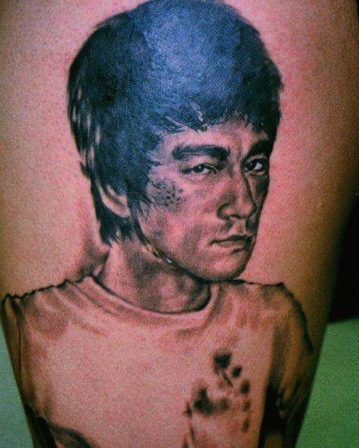 Tattoo by Chano #tattooer #tattooartist #brucelee #martialarts #tattooart  #illustration #texastattoo #drawing #painting #instagood  #blackandgrey #realistictattoos  #thetattooshop #tattoo #girlswithtattoos #guyswithtattoos #girlswithink #tattoosofinstagram #Galvestontattoo #Houstontattoo #supportgoodtattooing by thetattooshop_galveston