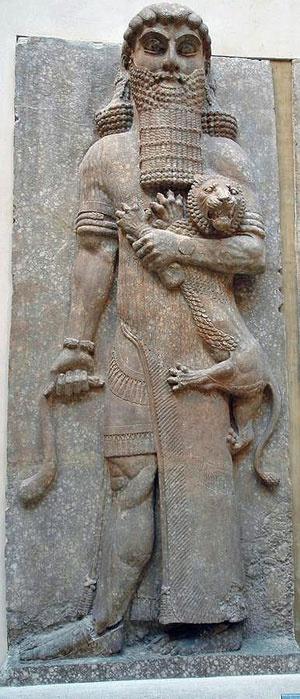 Escultura asiria que representa a Gilgamesh luchando con el león.  Khorsabad.