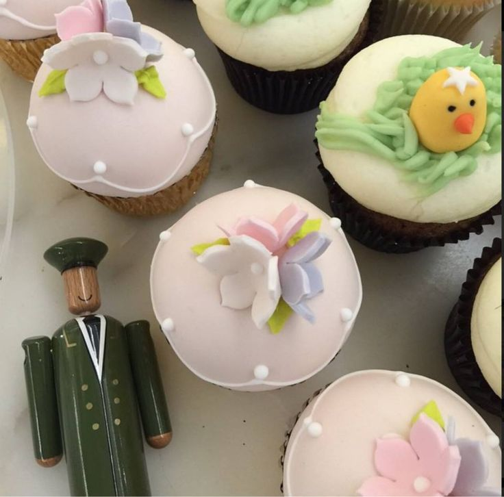 Would anyone care to join us (and our little friend) for a #HarrodsEaster cupcake? #MyGreenMan #VogueFestival http://www.harrods.com/style-insider/news/ss15/harrods-my-green-man-competition