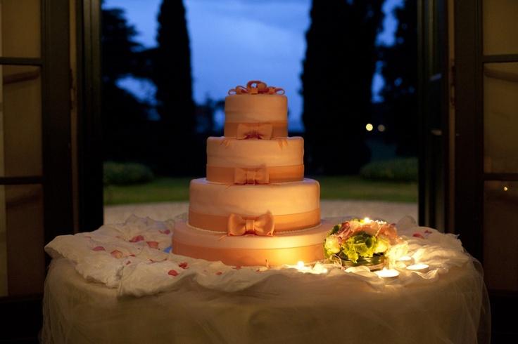 Luce soffusa   torta matrimonio
