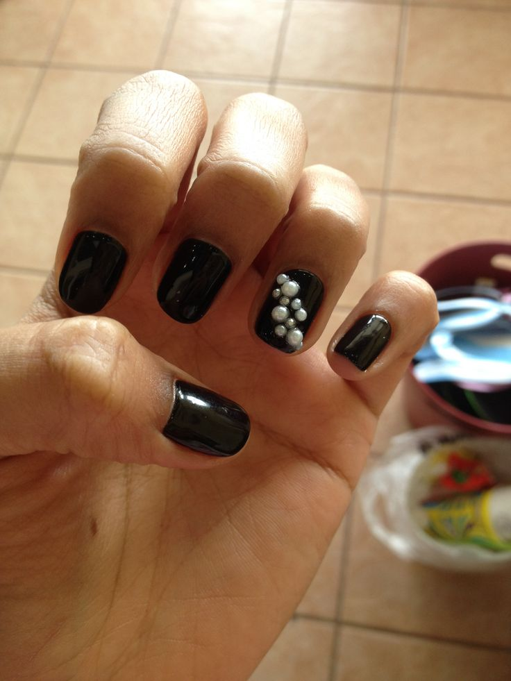 Elegant black nails with pearl accent for my masquerade #urbannails
