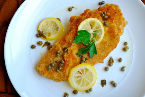 Chicken Picatta - my daughter's favorite meal! I can't wait to surprise her with this dish. sounds easy and YUMMY!
