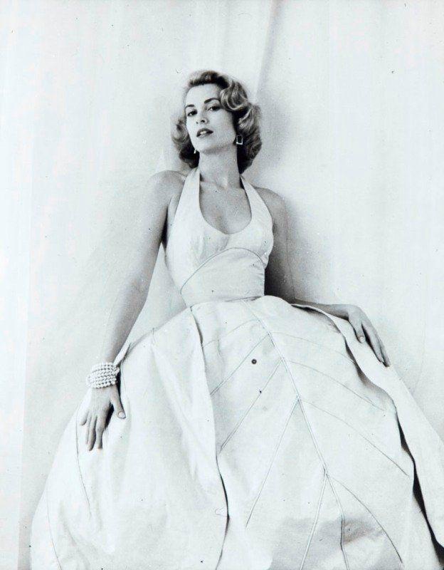 Grace Kelly by M. Greene. 1954.