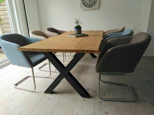 Seelenliebe Design bietet dir dein individuell für dich hergestelltes Möbelstück an. Ob kleiner Esstisch für 4-6 Personen oder die große Festtafel für 14 Personen und mehr. Mit uns findest du genau das Richtige! Wir liefern unsere Design Möbel im Raum Düsseldorf bis Köln und am kompletten Niederrhein.