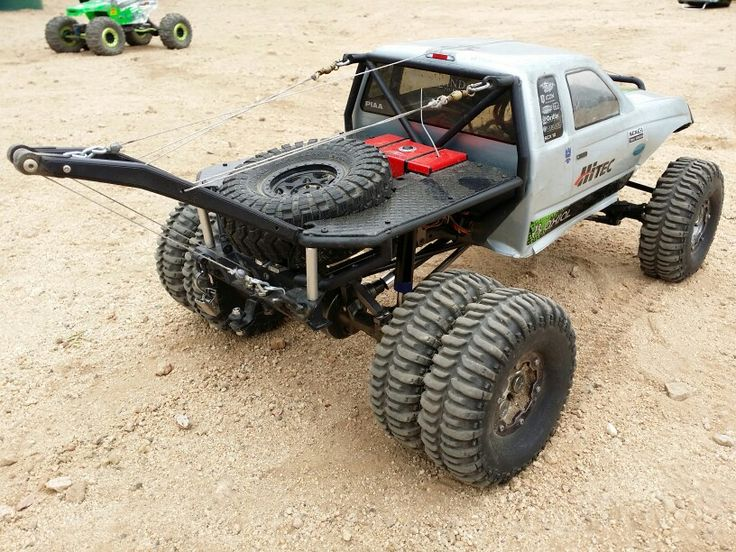 Thats just the coolest Axial Honcho tow truck. Owner/Drivers is also really cool. This is at Vasquez Rock