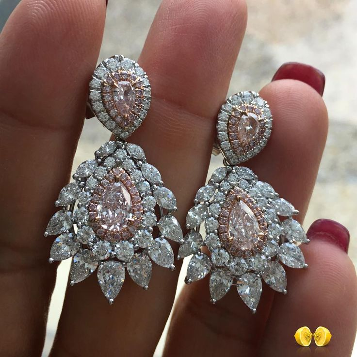 756 вподобань, 5 коментарів – Novel Collection (@novelcollection) в Instagram: «Just out the #NovelCollection workshop -  fancy pink pears in a beautiful setting.  #diamond…»