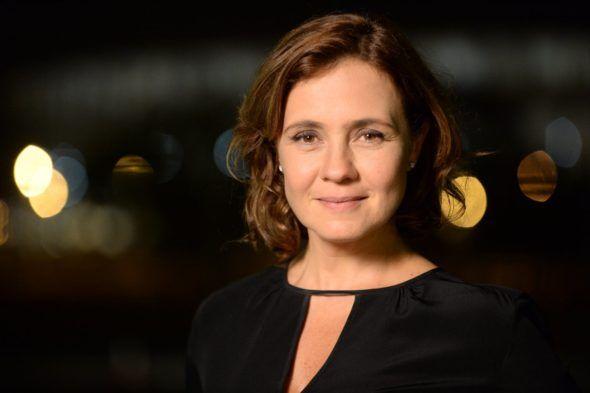 Adriana Esteves será protagonista da próxima novela das 23h na Globo