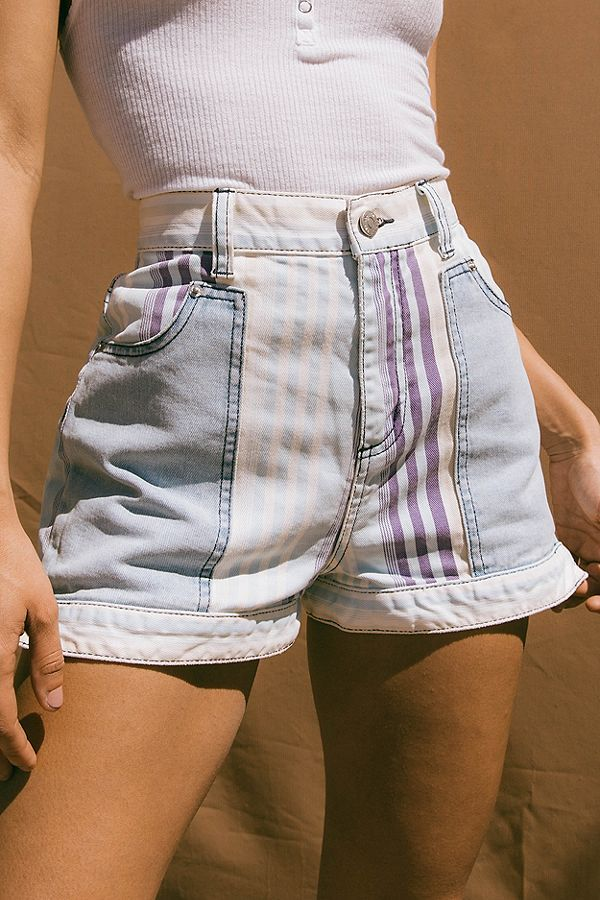 de4231008b Slide View: 1: BDG Mom High-Rise Denim Short – Nebraska | Shopping List in  2019 | Fashion, High waisted shorts outfit, 90s shorts