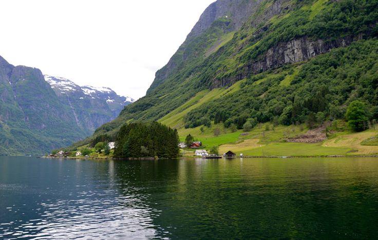 Del puerto de Flam parte un crucero que recorre Nærøyfjorden (el fiordo de Nærøy), declarado Patrimonio de la Humanidad por la Unesco. ©PGM