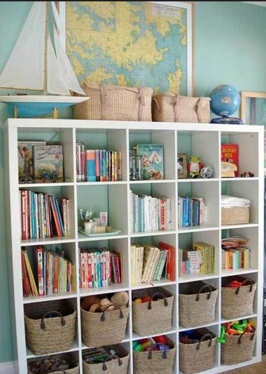 Kids room organization ideas children 39 s shelves this for Organized kids rooms