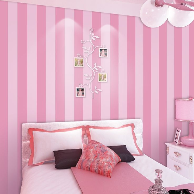 25 best ideas about pink striped walls on pinterest for Pink living room wallpaper