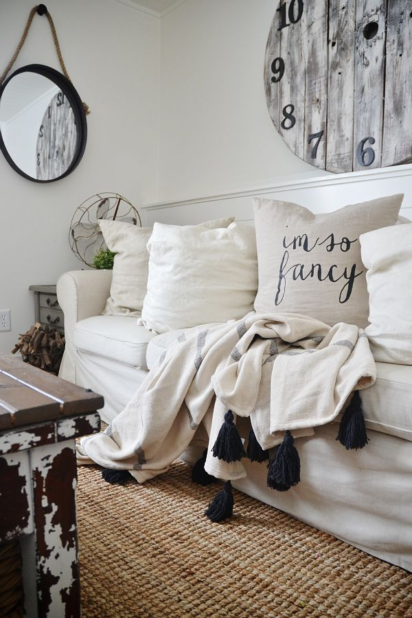h m home decor haul january 2015 inspiration blankets and living rooms. Black Bedroom Furniture Sets. Home Design Ideas