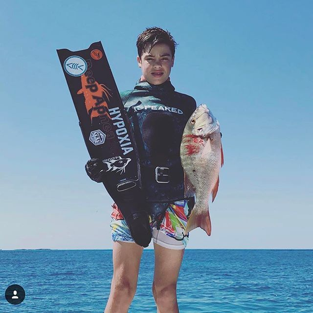 @victorquirch showing off a nice haul in the Bahamas! Looks like the flasher worked! 👊🤙 🇧🇸🇧🇸🇧🇸 Tag your best Spearfishing and Freediving pics with #HypoxiaOutfitters and #HypoxiaSpearfishing to be featured!