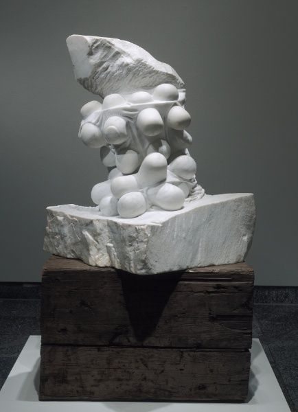 Louise Bourgeois, Blind Man's Buff, 1984 – white marble on wooden base, 92.70 x 88.90 x 63.50 cm