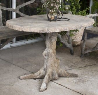 Charmant Chic Faux Bois Tree Stump Table With Oval Shaped Tree Slice Taple Top.