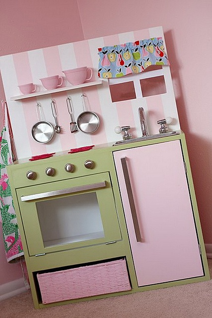 kitchen diy... oh, I want to make this for my girls