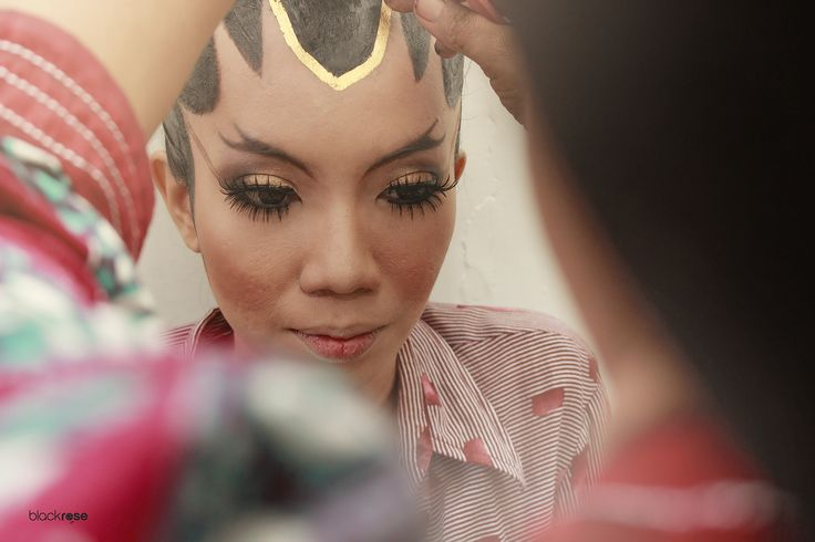 PAES AGENG #woman #beforemarriage #glory #beautiful #woman #java #traditionalmakeup #indonesian #cultural # ceremonial