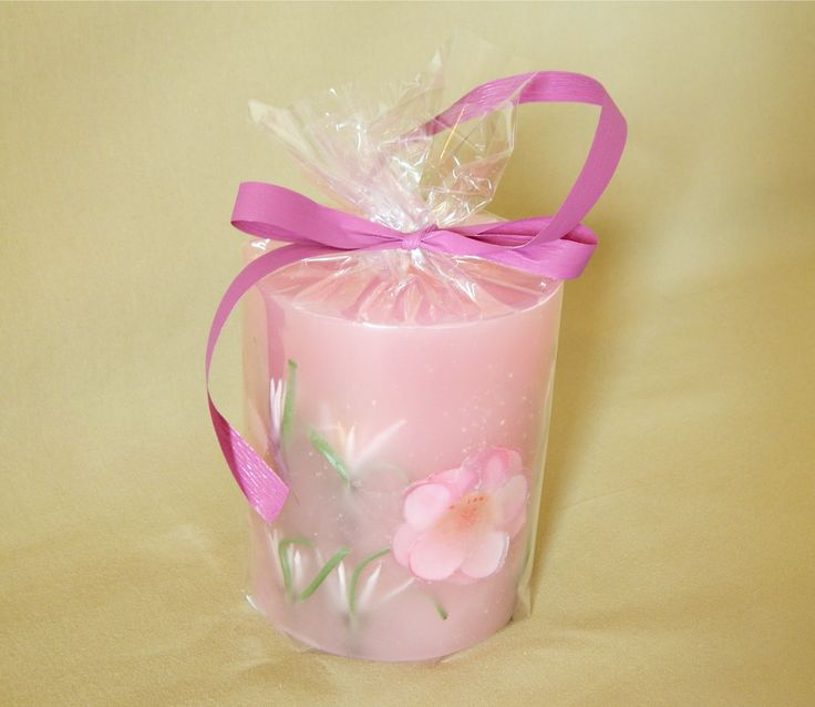 Light pink handmade candle with strawberry aroma. #pastel #pink #handmade #candle @kirofos