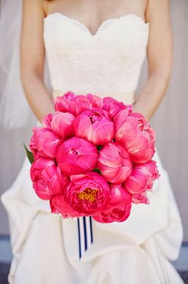 Valentine Wedding Bouquet - http://memorablewedding.blogspot.com/2014/01/the-best-tips-and-ideas-for-your.html